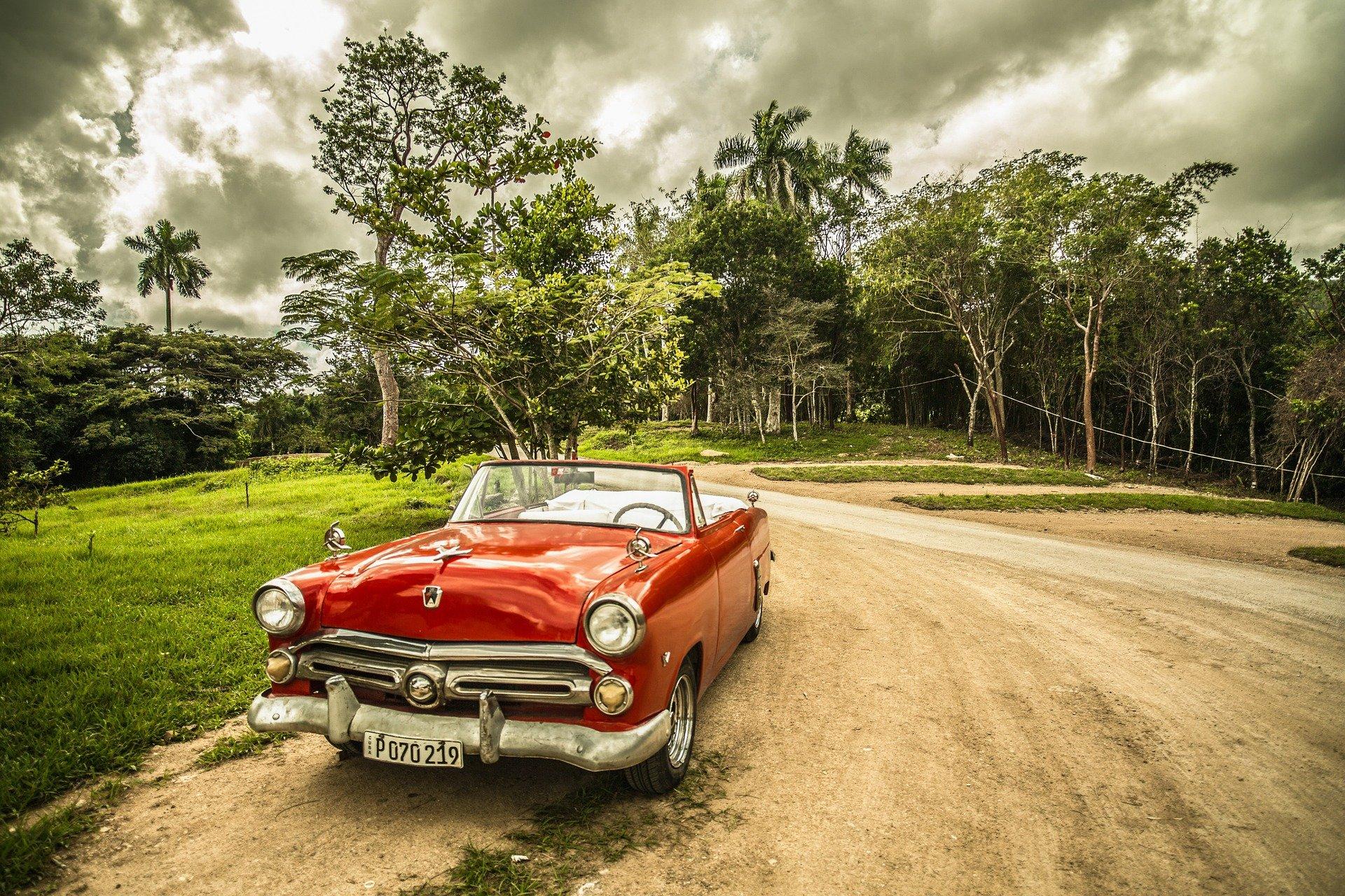 Commerce de voitures anciennes